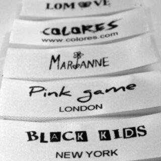 Etiquetas logos y tallas